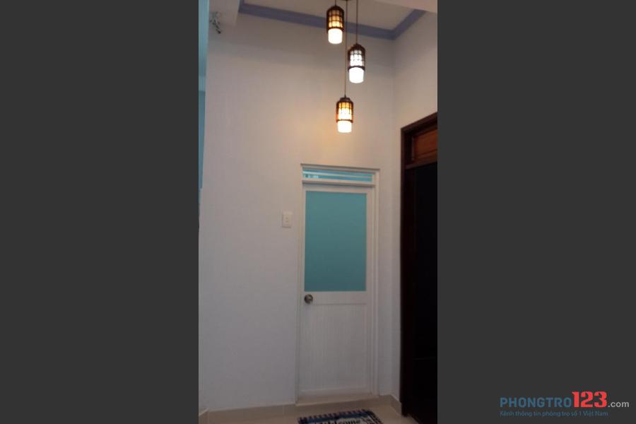 Cho thuê nguyên căn hộ Q.1 đầy đủ nội thất, giá rẻ