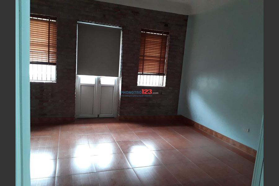 Cho thuê tầng 3, 2 phòng ngủ khép kín rộng 60m2 khu đấu giá Kiến Hưng, Hà Đông, giá 3tr. LH 0972287246