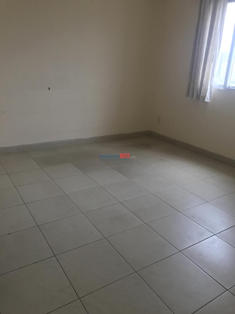 Share 1 phòng - có wc riêng, chung cư Bình Minh, Quận 2