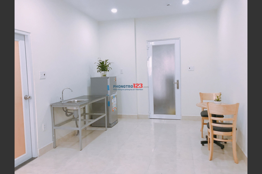 Phòng tiện nghi ngay Bành Văn Trân, CMT 8, cv Lê Thị Riêng 5-6.5tr/20 - 30m2