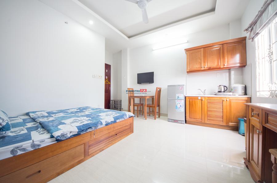 Cho thuê căn hộ cao cấp, full nội thất sang trọng, tại 559 Lê Văn Sỹ, Quận 3