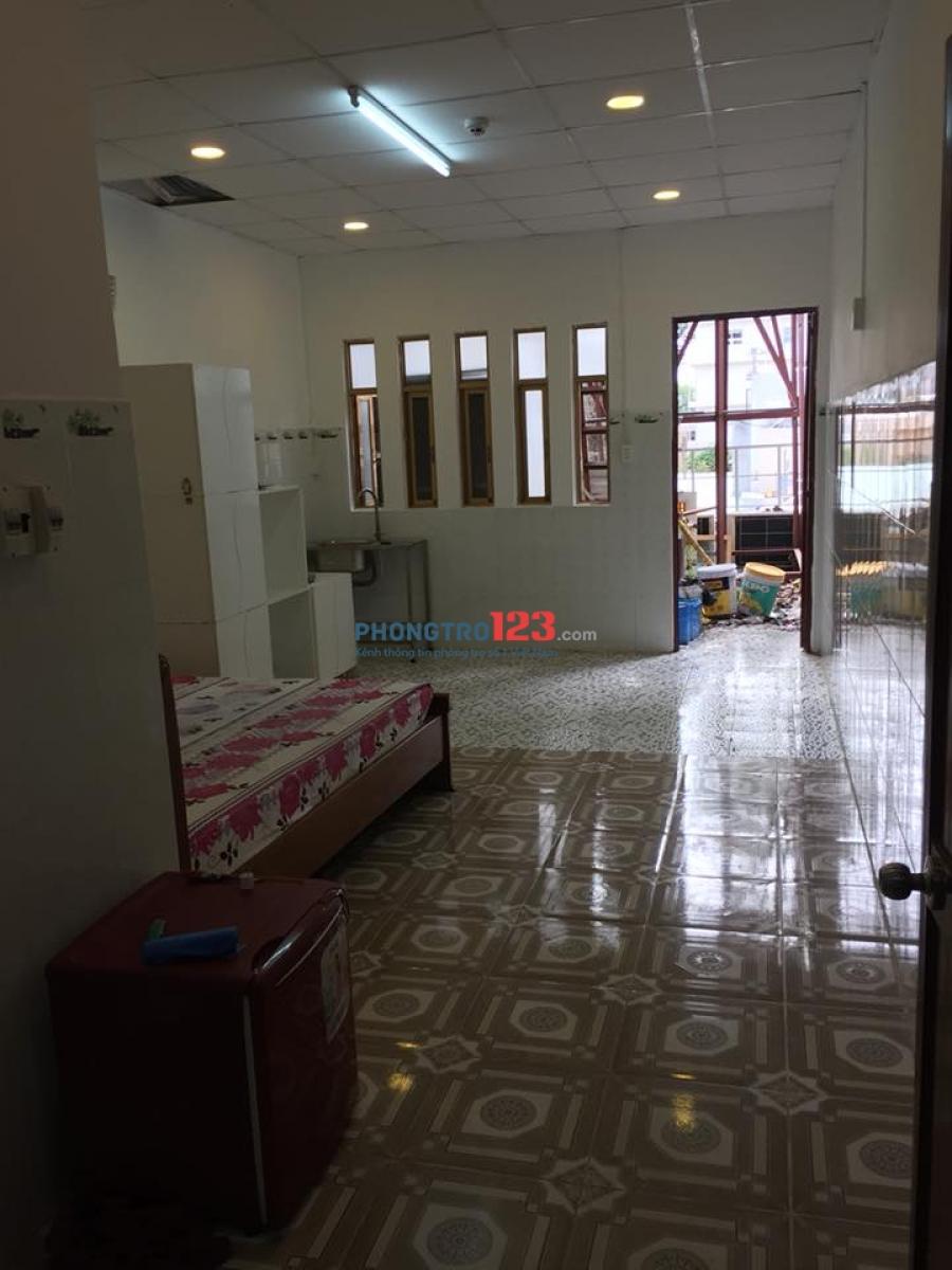 Phòng Mới Xây, Full Tiện Nghi Cửa Sổ Ban Công Thoáng Mát 27 Cửu Long Ngay Sân Bay