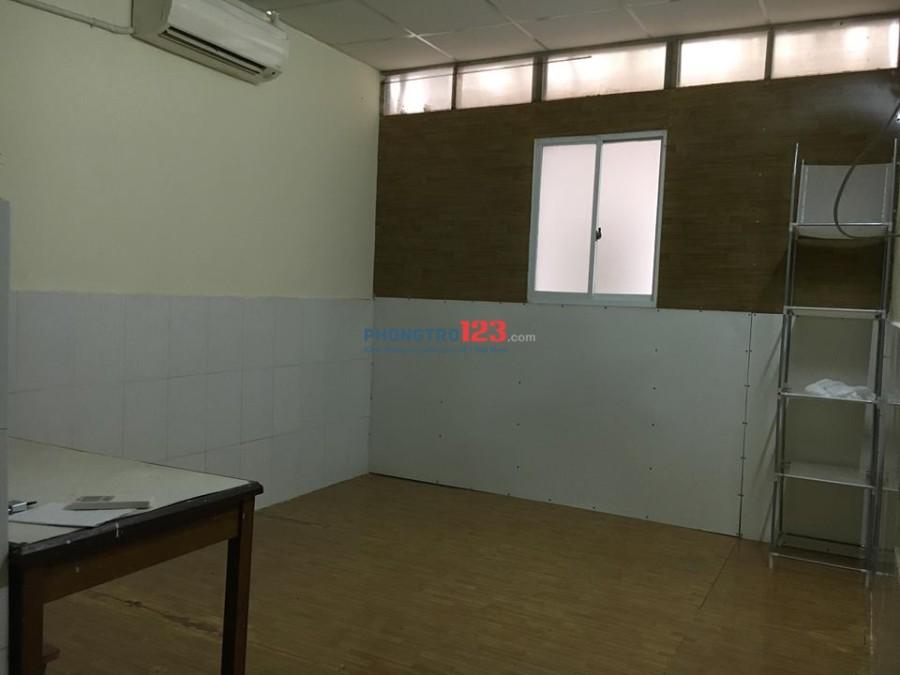 Cho thuê phòng có cửa sổ, máy lạnh MT đường Bình Giã giao với Cộng Hòa, giá 2,7 tr/tháng