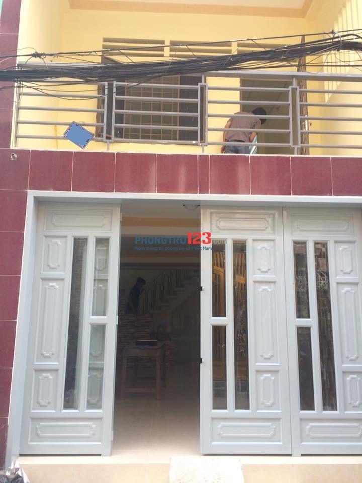 Cho thuê nhà nhỏ mặt tiền đường D2 ( Nguyễn Văn Thương), P 25, Q Bình Thạnh.