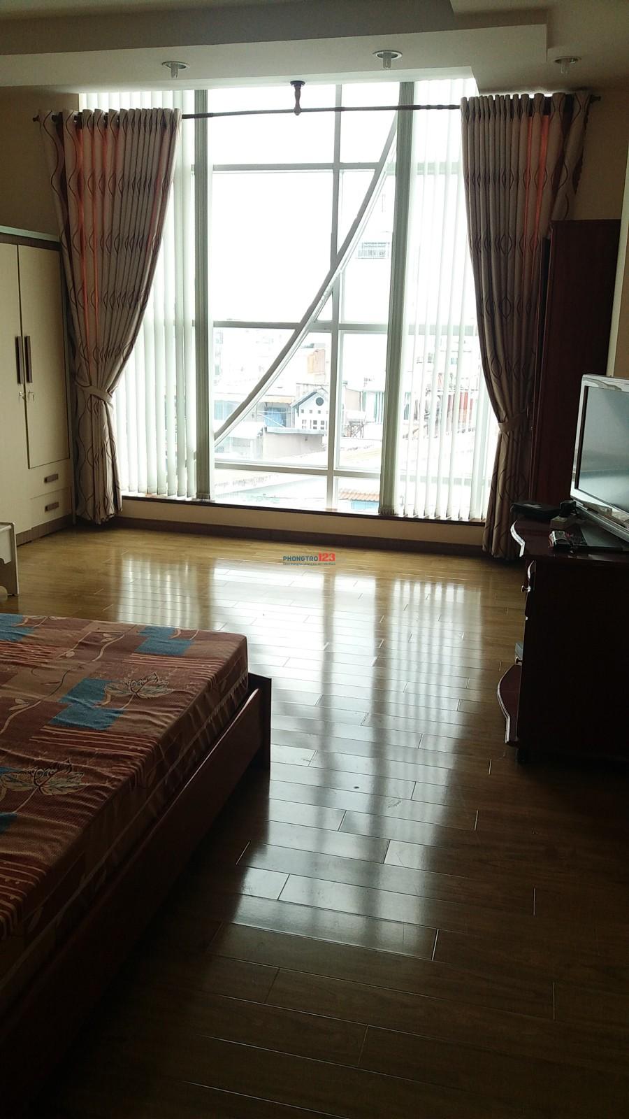 Cần người ở ghép nhà đẹp 750k/ tháng, 330 Cao Đạt, phường 1, Quận 5