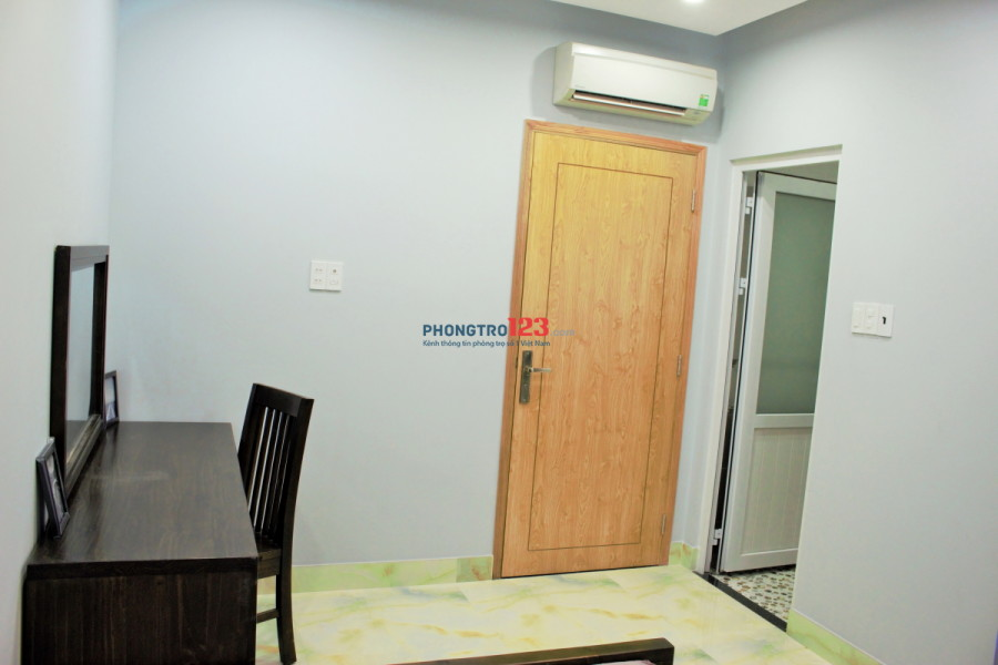 Căn hộ studio full nt giá rẻ bất ngờ, mặt tiền đường Hoàng Hoa Thám, phường 3, quận Tân Bình