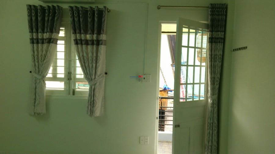 Phòng máy lạnh tiện nghi, lối đi riêng, sạch đẹp, thoáng mát, an ninh, yên tĩnh