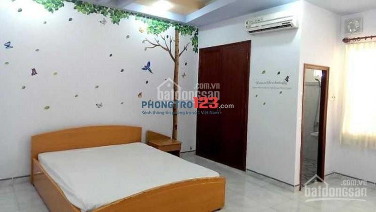 Cho 1 bạn thuê gác lửng gỗ, giá rẻ đường Trường Sơn, Q.Tân Bình DT: 10 m2, Giá 1.2 triệu (gần sân bay, công viên HVT)