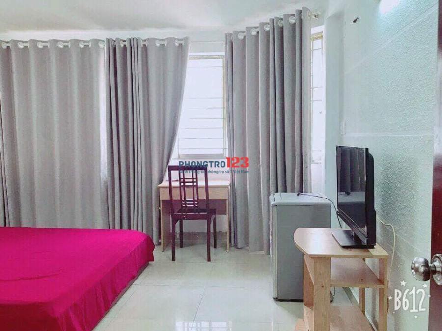 Phòng cho thuê rộng, rẻ, có nội thất, cửa sổ, Lý Chính Thắng, Q.3