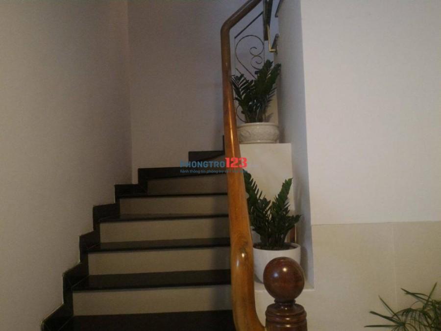 Cho thuê căn hộ dịch vụ full nội thất, cao cấp tại Quận 1
