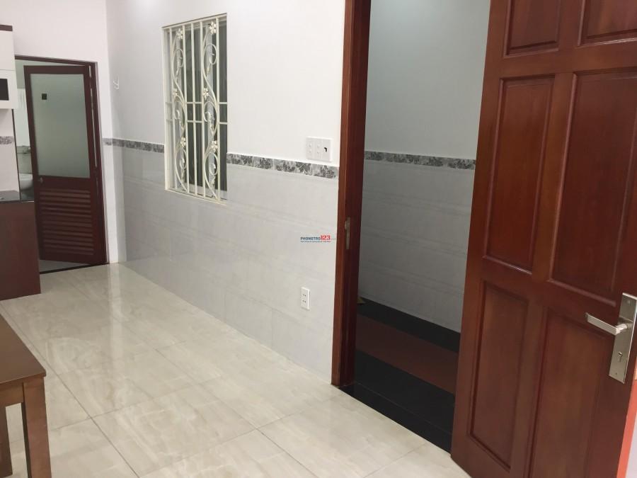 Phòng rộng, đẹp dạng căn hộ Studio full nội thất, có ban công MT Đoàn Văn Bơ, Q.4. Giá 7tr5/t