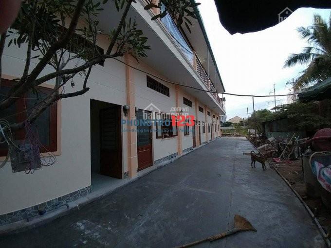 Tìm nữ ở ghép tại dãy trọ Hương Giang, gần chung cư 4S Linh Đông, chỉ 1.3tr/tháng, ở 2 người. Lh 0902995882