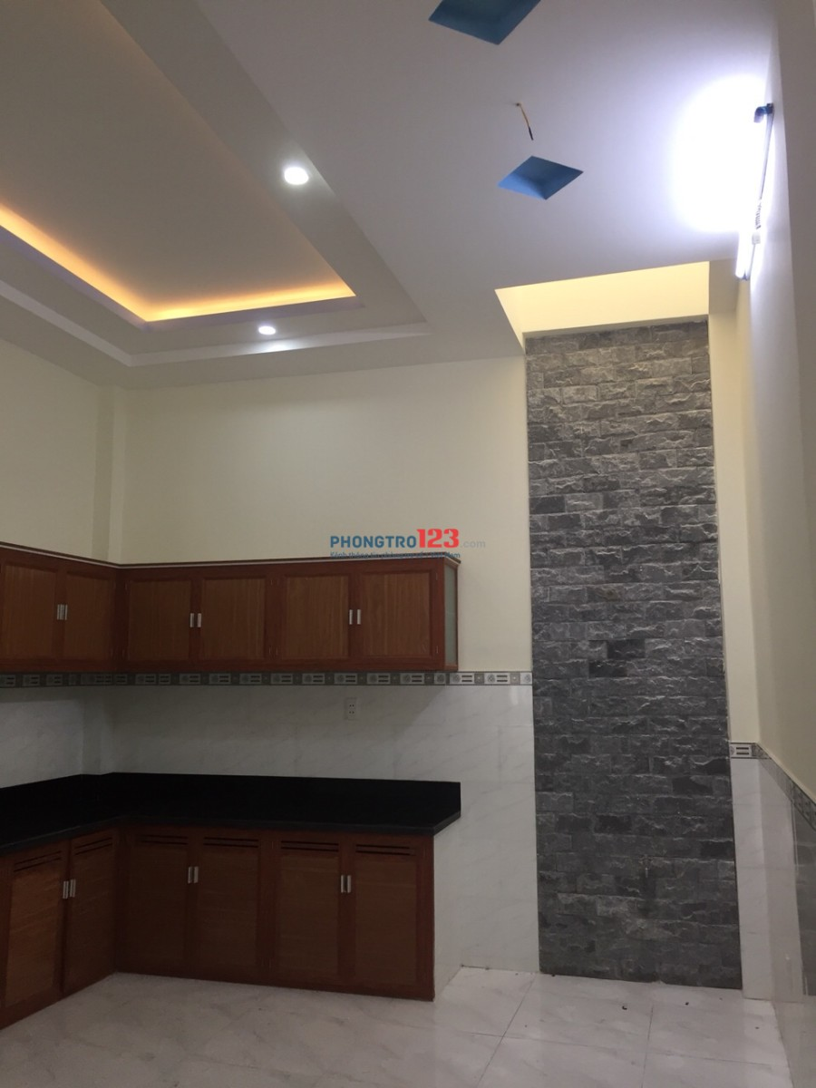 Cho thuê nhà nguyên căn, nhà mới xây, trang trí nội thất cao cấp hiện đại