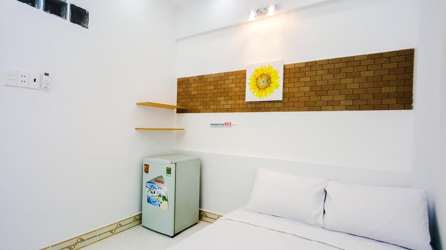 Phòng dịch vụ cao cấp đầy đủ tiện nghi ngay trung tâm Phú Nhuận giá ưu đãi chỉ 5tr