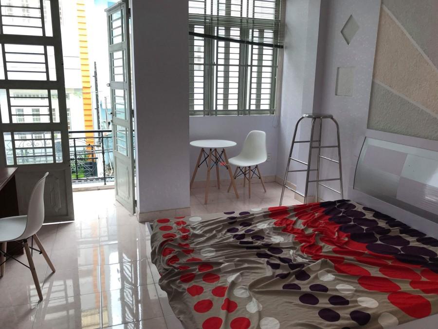 Nhượng lại phòng 25m2 đường Nguyễn Văn Đậu full nội thất