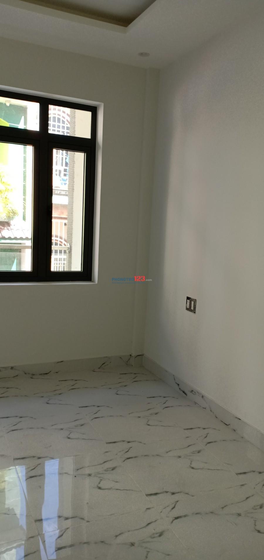 Nhà nguyên căn 1 trệt 1 lửng 3 lầu (7 phòng), có thang máy,  nước nóng năng lượng, chính chủ