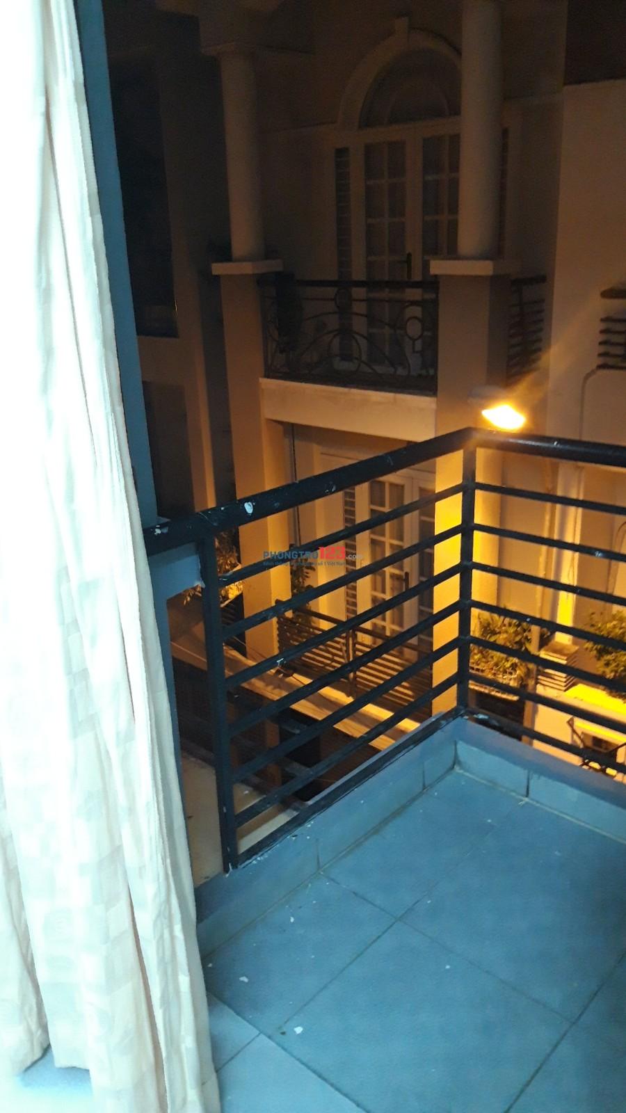 Cho thuê phòng trọ có máy lạnh, miễn phí wifi cáp quang, đường Hoa Lài, khu trung tâm Phú Nhuận