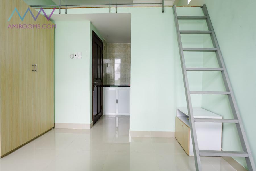 Cho thuê Phòng Full tiện nghi 25m2 có gác ban công, 5tr/th, 53/28 Bùi Văn Ba Q7 (Căn cuối cùng) LH 0901259073 Thắm
