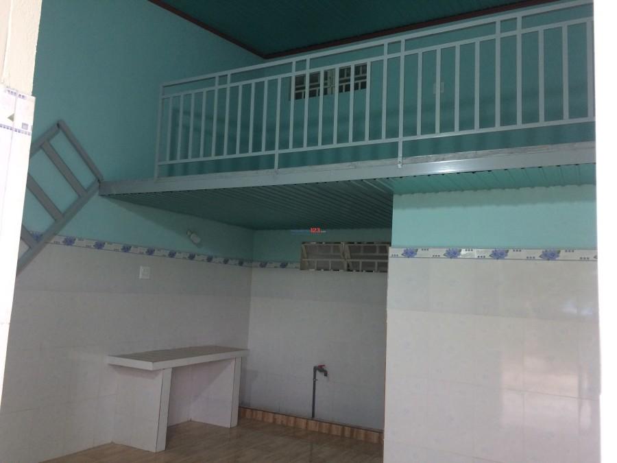 Phòng trọ mới xây 100%, Nhà Xây cao thoáng, Có Gác thích hợp cho gian đình từ 4-5 người. Gần TX Long Khánh.