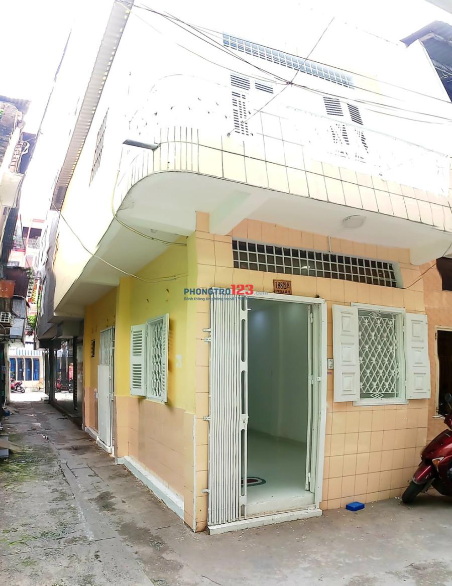 Cho thuê nhà nguyên căn dài hạn 2 mặt HXH 170/1A Cao Đạt, Quận 5 1t1l 3.5x9m