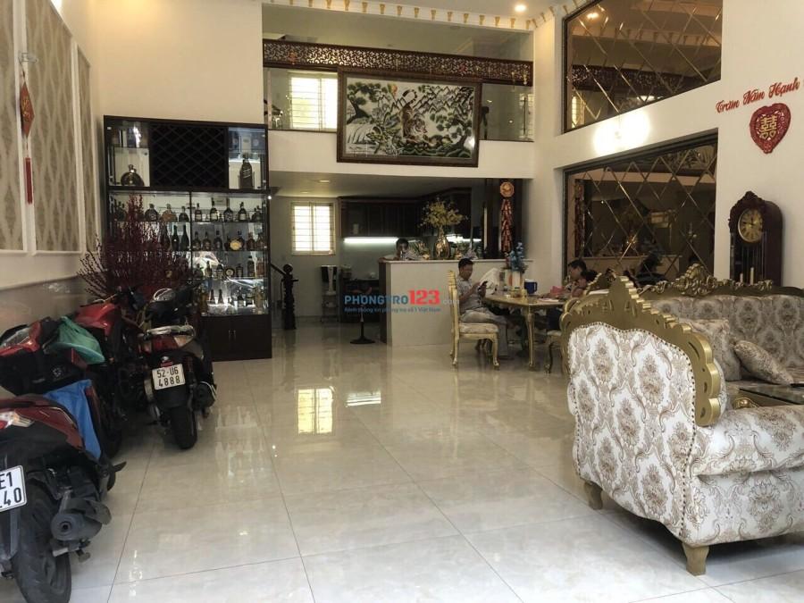 Cho thuê Mặt Bằng Kinh doanh, làm văn Phòng Công ty đường Nguyễn Thiện Thuật, Quận Bình Thạnh