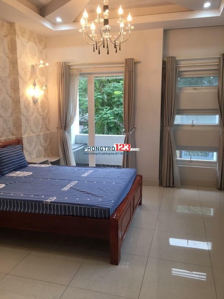 Phòng 25m2, ban công, tiện nghi, Phạm Văn Đồng