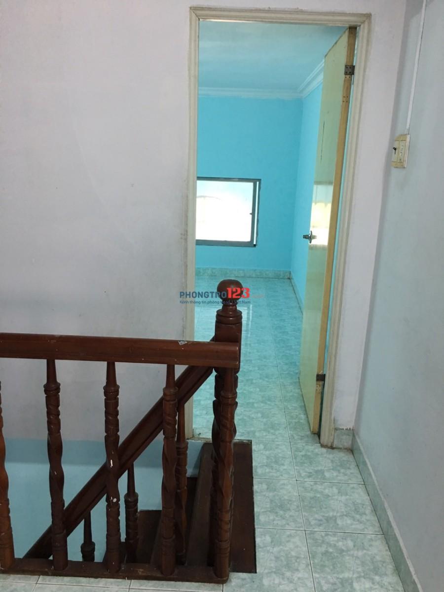 Thuê nguyên lầu trong nhà nguyên căn.