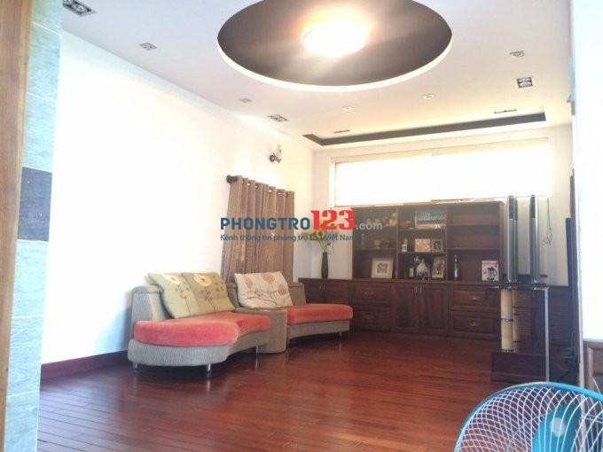 Biệt thự cao cấp cho thuê, full nội thất, 1 trệt + 3 lầu