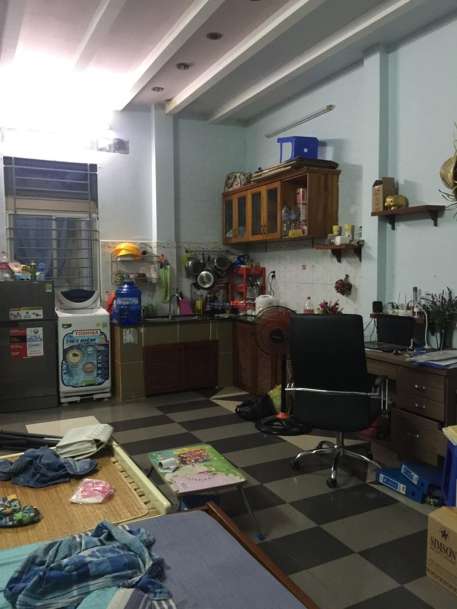 Tìm nữ ở ghép ở Gò Vấp gần Đại Học Công Nghiệp 4