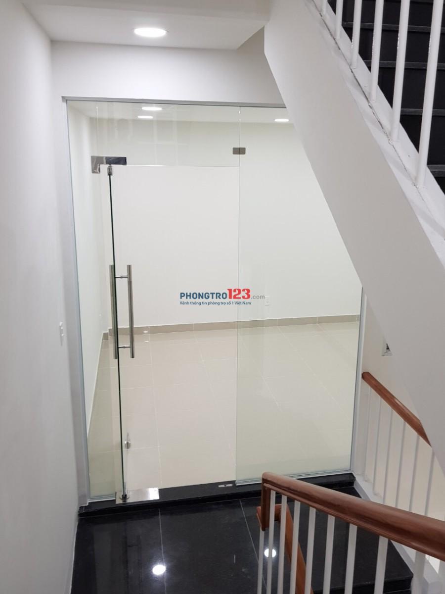 Cho thuê tầng trên biệt thự Q8, 2 phòng lớn