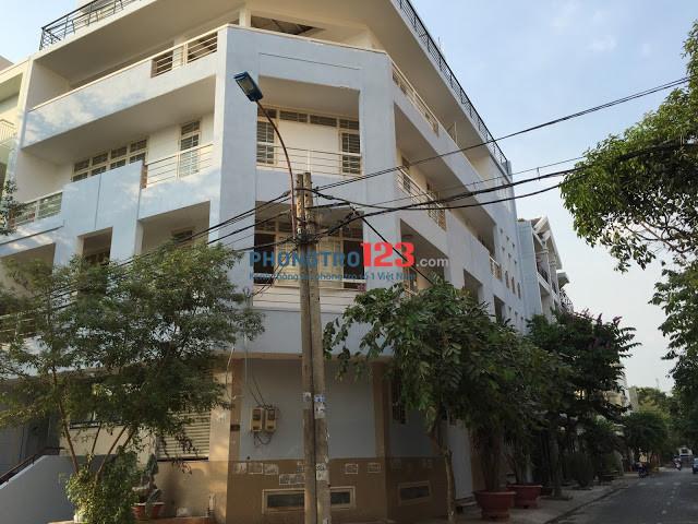 Phòng có nội thất cơ bản, cửa sổ, giờ tự do, BV 24/24 tại KDC Trung Sơn, Giá 4,2tr gần lotte mart Q.7