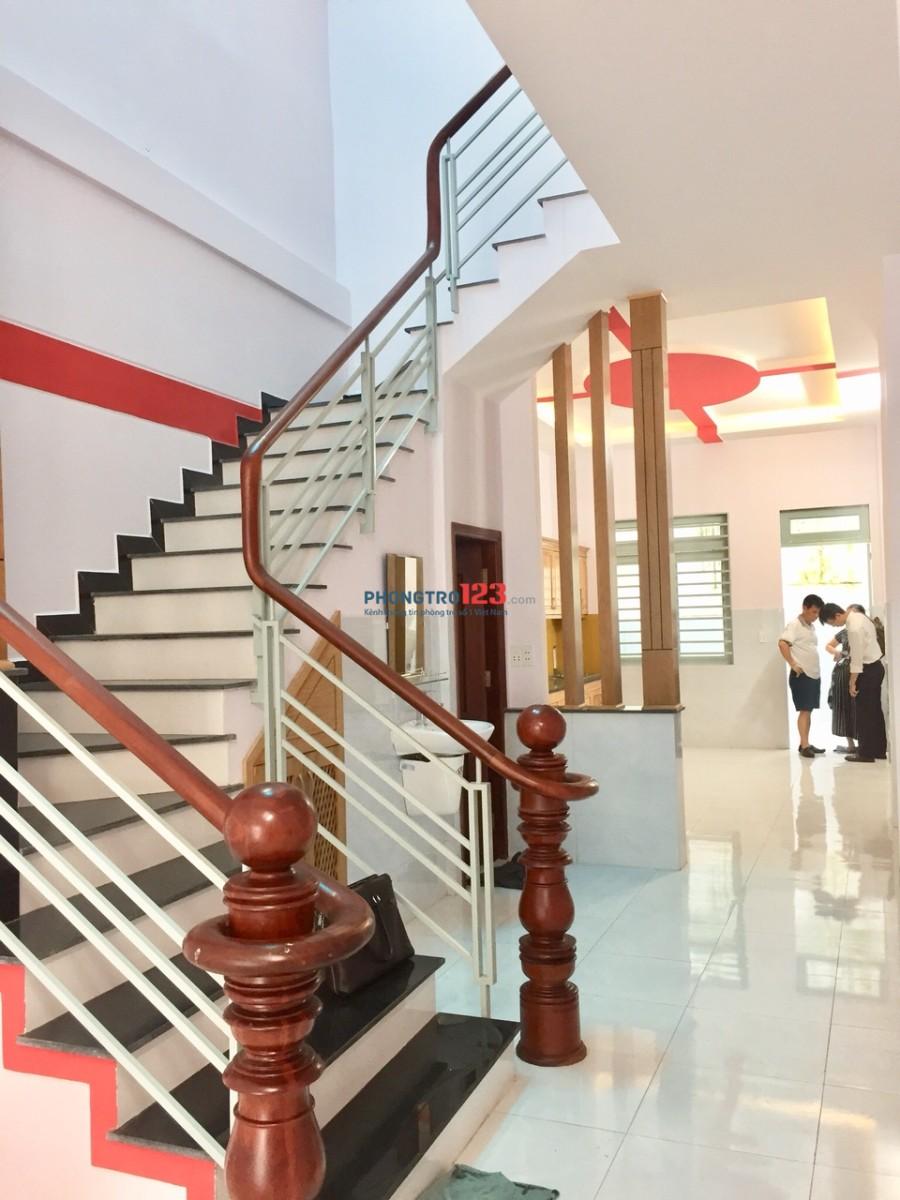 Nhà MT 586 Hoàng Văn Thụ 1T1L 2PN, 4x22 sân trước sau 170m2 giá 27,8 triệu