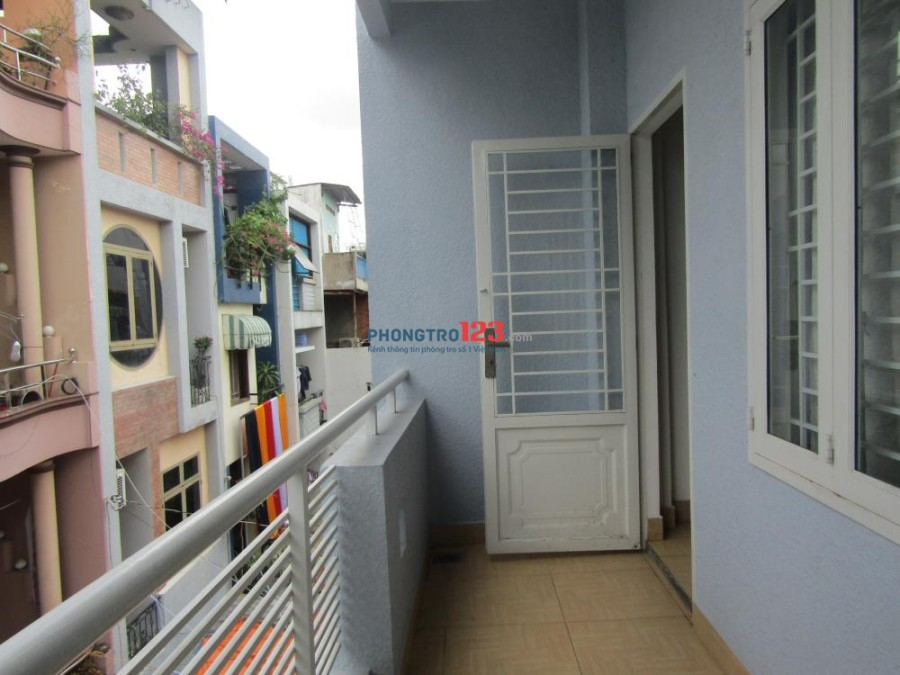 Cho thuê phòng có máy lạnh, toilet riêng, mặt tiền đường Trường Chinh, Tân Bình