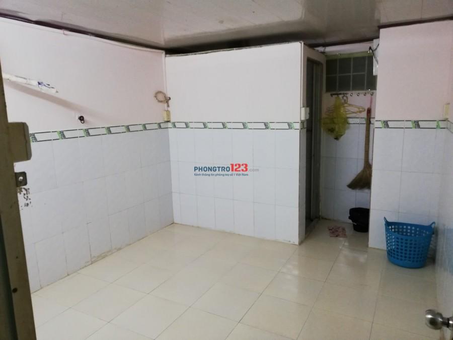 Phòng trọ Q.3 - NVS trong phòng - Giờ tự do