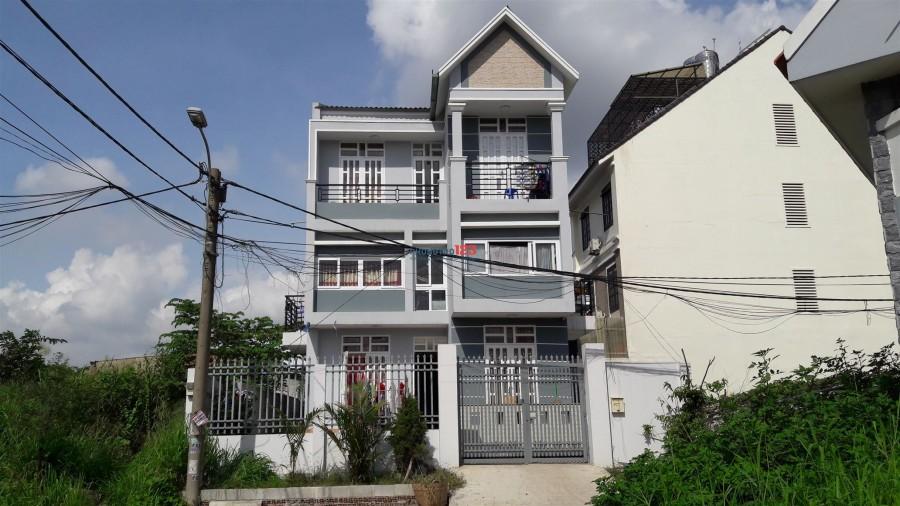 Cho thuê phòng trọ thoáng mát như căn hộ chung cư, khu an ninh, giá phòng chỉ 3.3tr/tháng
