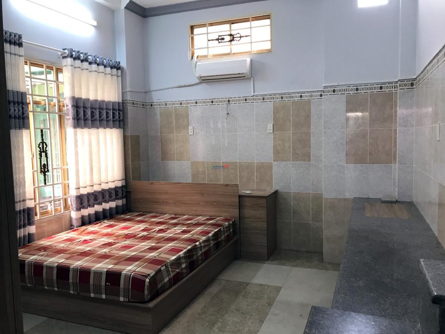 Phòng ngay ngã 3 Phan Đăng Lưu & Nguyễn Văn Đậu; FULL nội thất; giờ giấc tự do.