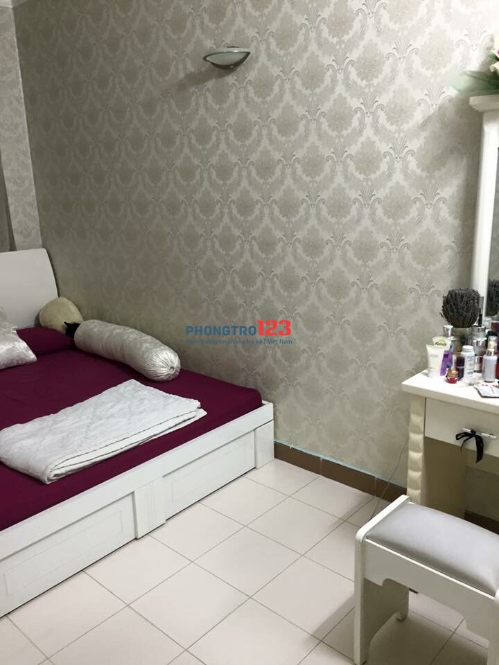 Cần cho thuê căn hộ chung cư Phúc Thịnh, đường Cao Đạt, Quận 5 giá 12t