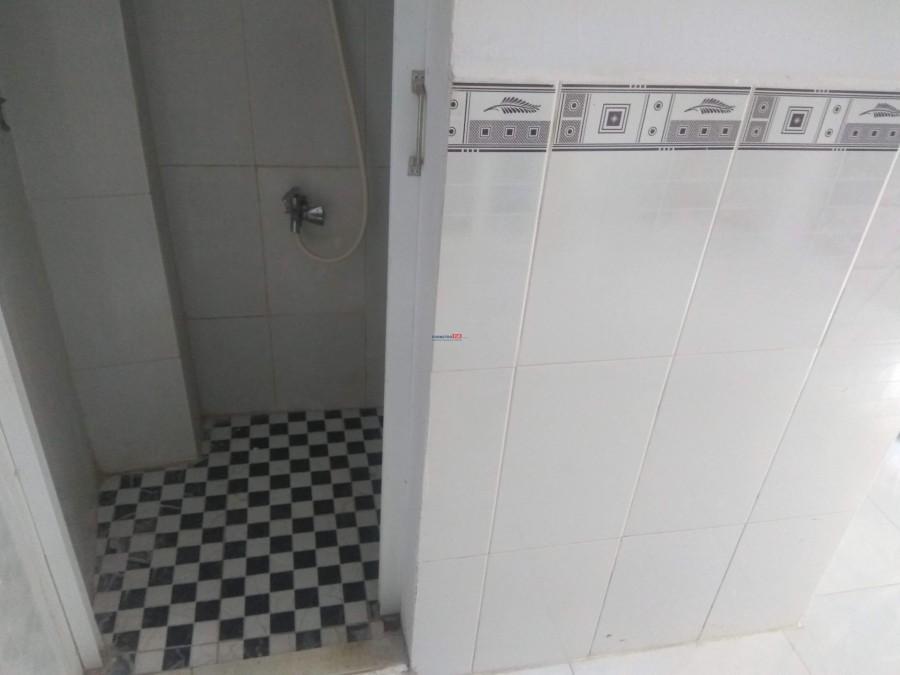 Cho thuê nhà 1 trệt 2 lầu 2 Pn có ban công, kệ bếp giá rẻ quận Gò Vấp 0908721675