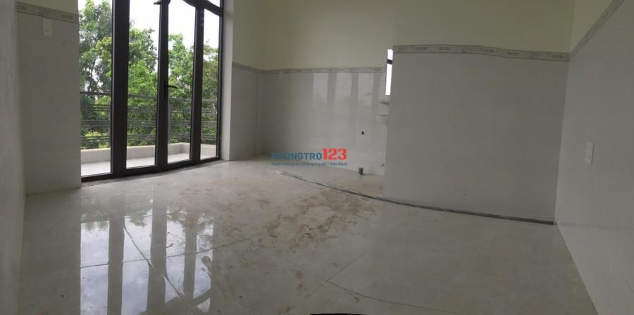 Cho thuê phòng tại Tân Phú, sát ĐH Công nghiệp Thực Phẩm, hẻm ô tô, có máy lạnh, ban công, toilet