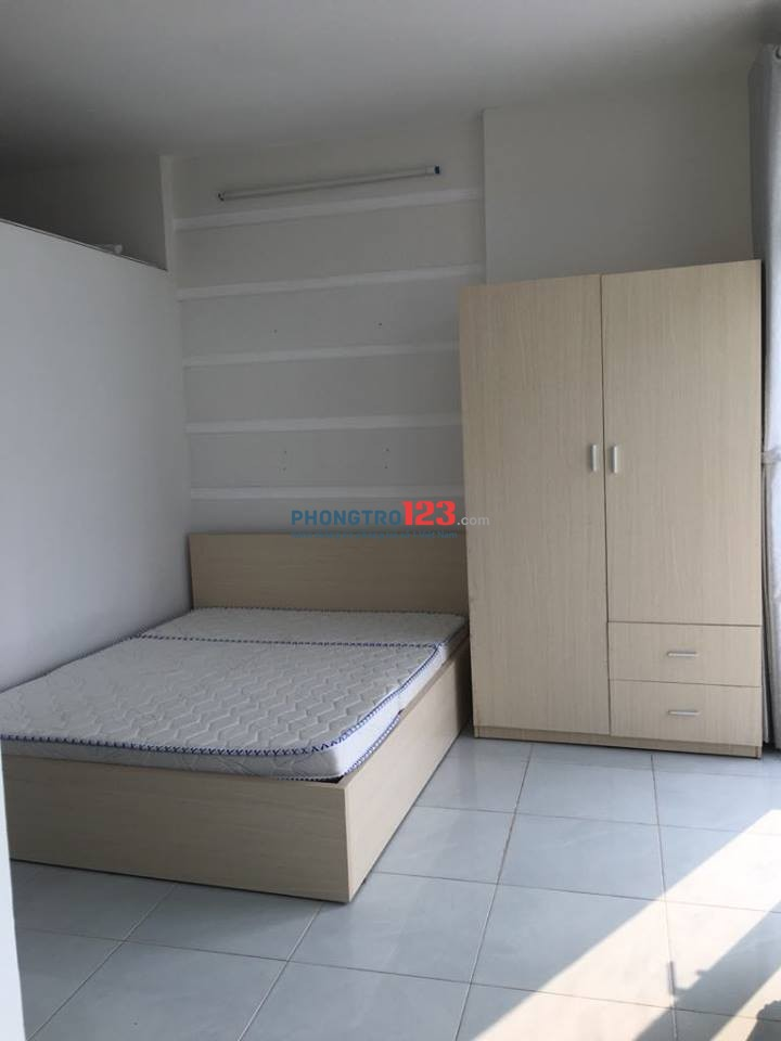 Cho thuê phòng có bancol, mới, full nội thất đường Bình Thới tại vòng xoay Lê Đại Hành, Quận 11
