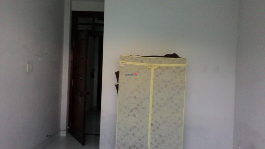 Phòng trọ Q.10 thoáng mát, WC riêng