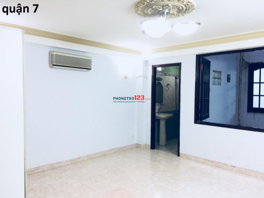 Cho thuê phòng riêng 3tr3/tháng, có máy lạnh và thang máy quận 7