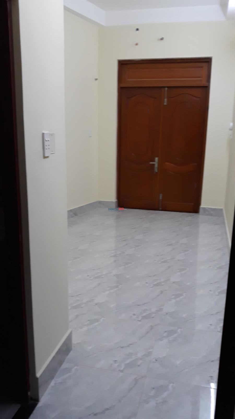 Phòng cho thuê phòng Quận 3, Cách Mạng Tháng Tám ngay trung tâm