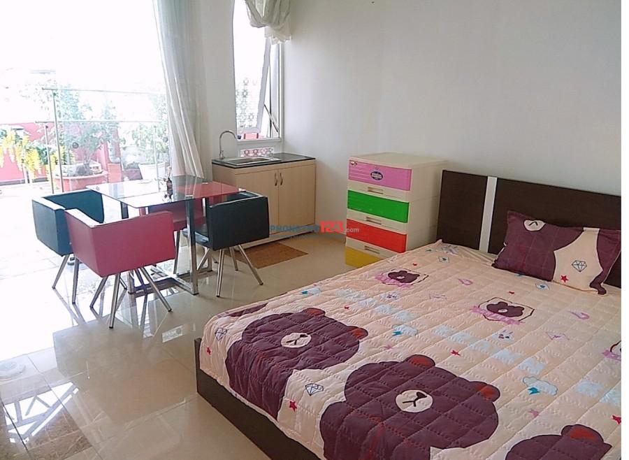 Cho thuê phòng đầy đủ nội thất, an ninh, có ban công, có bếp, Lê Văn Sỹ, Quận 3