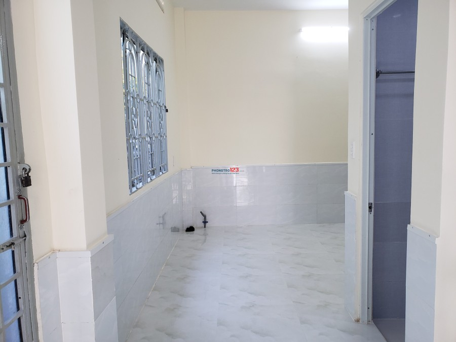 Cho thuê nhà nguyên căn mặt tiền đường số 8, phường Bình An, Quận 2