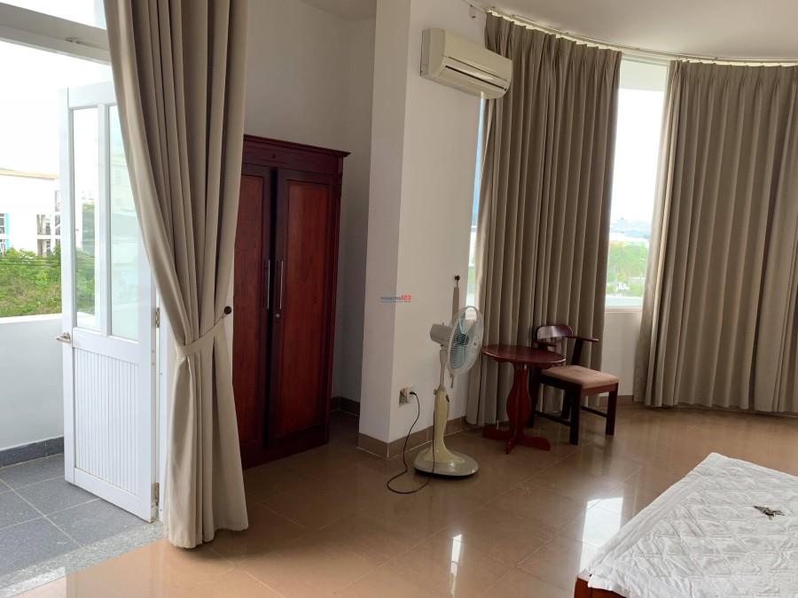Cho thuê căn hộ tại 185 Phan Đăng Lưu, 2 mặt tiền, trung tâm Thành Phố