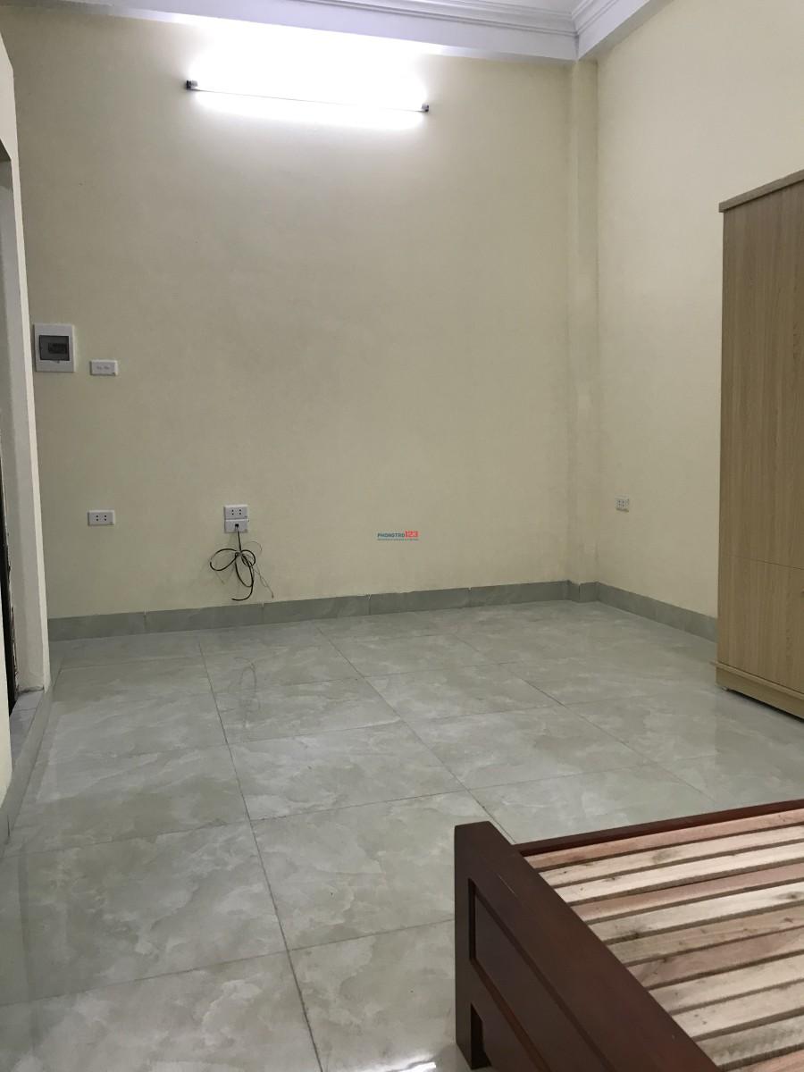 Phòng trọ khép kín gần đường Phạm Hùng