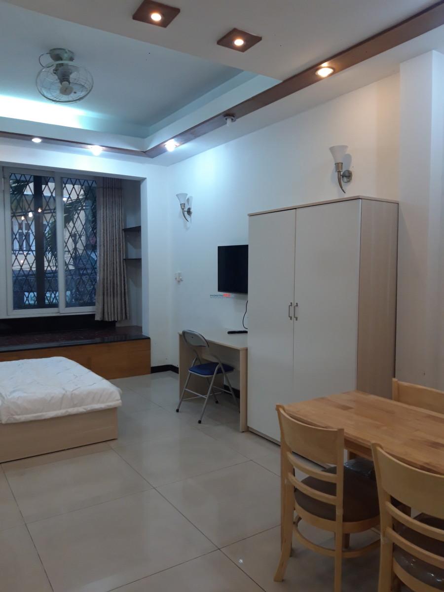 Tòa nhà đường Hát Giang mới đưa vào hoạt động, còn trống 3 phòng tặng 10 ngày tết cho khách ký hợp đồng 6th=>12th