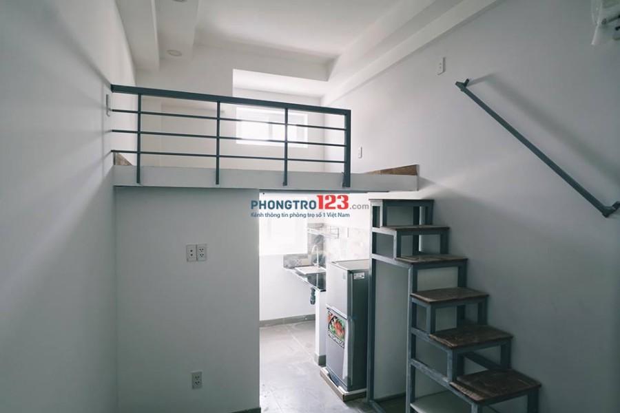 Chung cư cho thuê phòng có máy lạnh, gác xếp ngay khu công nghiệp Tân Bình. Giá 3tr8