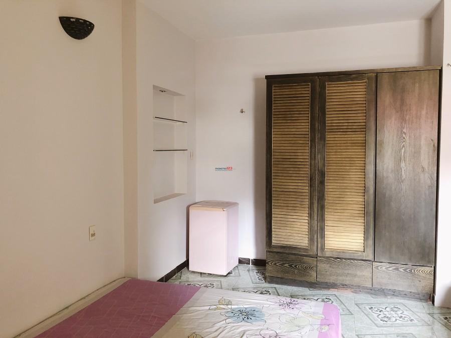 Phòng 25m2 đẹp sát TTQ1 ngay đường Nguyễn Hữu Cảnh